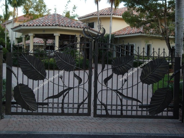 Custom gates driveway gate iron