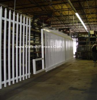 Plain Picket Fence Or with Design in Aluminum Garden Gate