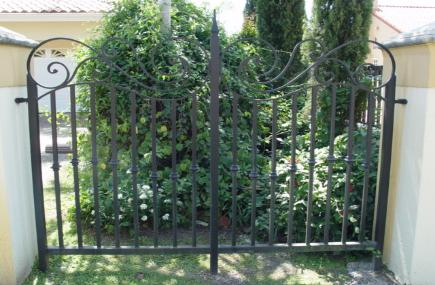 Garden Fence Rails | Iron Garden Fencing Railing | Iron Rail Fence Gate | Metal - Wrought Iron or Aluminum Rail