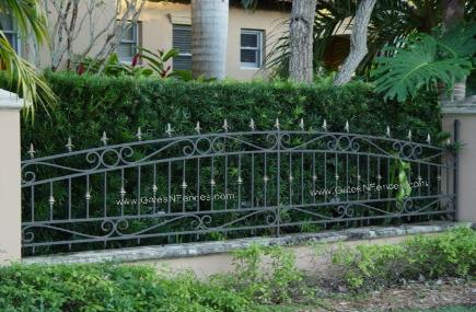 Iron Garden Fence Design | Iron Garden Border Fence | Decorative Garden Fencing