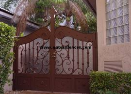 Get more Security Gate by adding a Privacy Panel on the Garden Gate