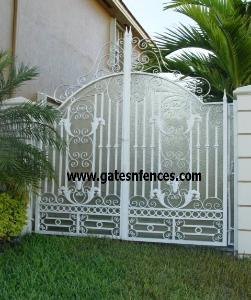 Privacy Gate with Frosted plexiglass panel Or Krinkglass