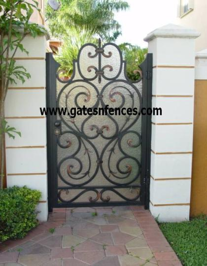 Garden Custom design with or without privacy panel in a dual gate see below also available as a driveway gate