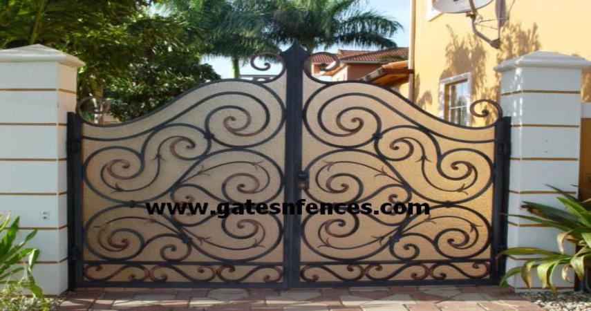 Dual Garden Gate with Privacy Panel