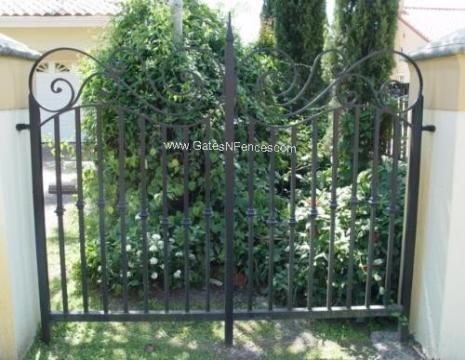 Iron Fence Designs, Privacy Iron Fencing, Iron Fence Construction, Aluminum Iron Fencing, Wholesale Iron Fencing